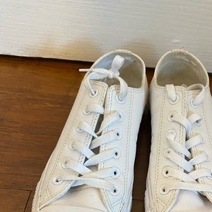 LOW TOP LEATHER TRIPLE WHITE CONVERSE
